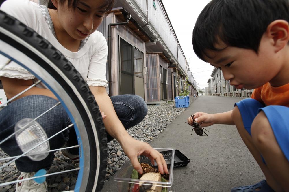 Art and Documentary Photography - Loading 05-06-07-JP_Fukushima12_81506z.jpg