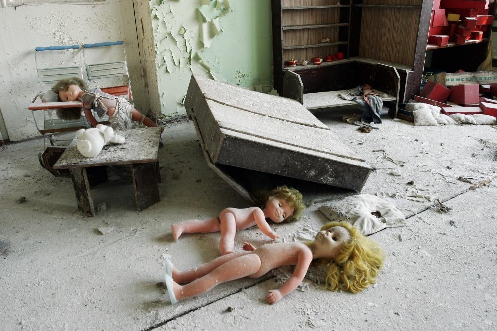 Art and Documentary Photography - Loading 06-x-10-UKR_Pripyat_kgarten07_4139z.jpg